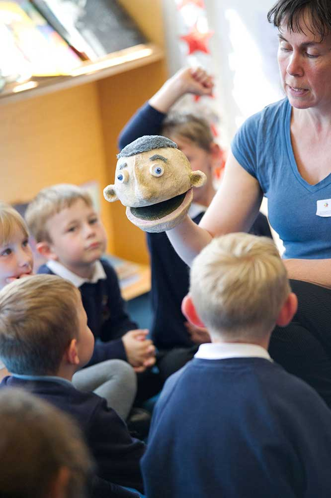 Our Artistic Director Niki McCretton Talks To Puppet Place